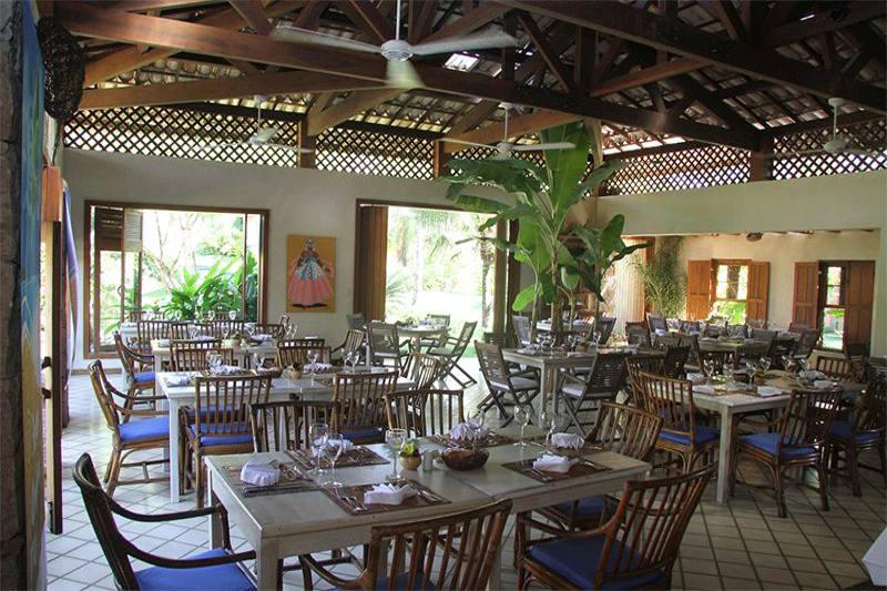 Almoço e refeições feitos em restaurantes com áreas fechadas trazendo oque à de melhor na gastronomia para você